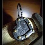 -G.c.s.- Kovaný přívěšek, gravírovaný motiv ... 2